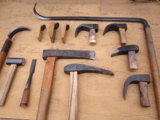 臼作りの手道具