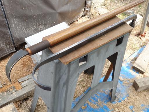 臼の中を仕上げる道具たち・ヤリカンナ1