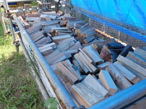 餅つき用品レンタル用の薪